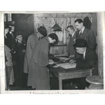1937 Press Photo A typical scene in Detroit's voting bo - RRS13591
