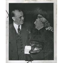1946 Press Photo Mr and Mrs Frank McKay - RRS31695