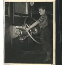 1937 Press Photo Auto Show Jimmy Wangersheim - RRS50909