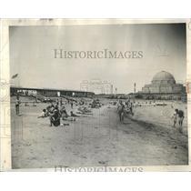 1938 Press Photo Roosevelt Beachgoers - RRS75695