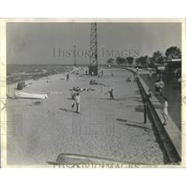 1943 Press Photo North Ave Beach Paralysis Incident - RRS75465
