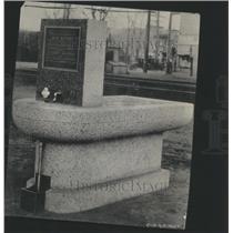 1924 Press Photo Memorial Fountain Brington Thursday n - RRS70379