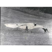 1974 Press Photo Mikes Dogs Malden Flight Glider Flight - RRS28547