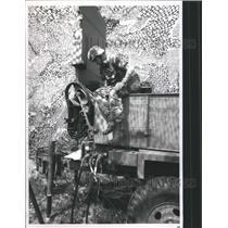 1988 Press Photo National Guardsman Dollar Radar
