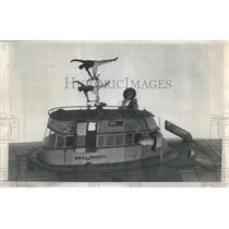 1956 Press Photo Zugspitzartisans aerialist from Munich - RRS21523