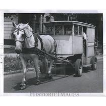 1955 Press Photo Old Dobbin Milk Delivary Fields Truck - RRS89707