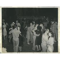 1941 Press Photo Block parties for service men New York - RRS76371