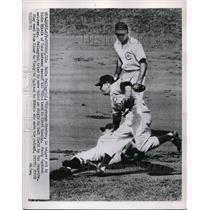1953 Press Photo Pittsburgh Pirates Eddie Pellagrini, Cubs' Eddie Miksis, Randy