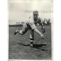 """1936 Press Photo Dodger pitcher Emil """"Dutch"""" Leonard at spring trainimng"""