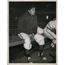 1948 Press Photo Cleveland Indian Lou Boudreau on the bench