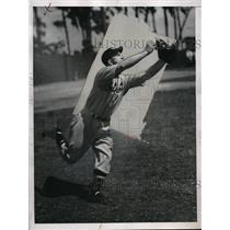1938 Press Photo Chester Laabs of Working Out with Detroit Tigers