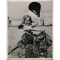 1935 Press Photo Barry Lee Foster practices up for the California Rodeo & Horse