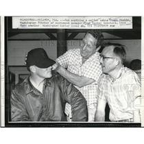 1960 Press Photo Chuck Stobbs, Fred Baxter, Equipment Manager, Dick Hyde