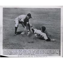 1950 Press Photo Cubs' Terwilliger Out by Phillies' Gran Hamner in Chicago