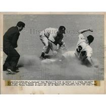 1950 Press Photo Indian Dale Mitchel safe at 3nd vs Red Sox Vernon Stephens