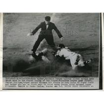 1954 Press Photo Dodger Rube Walker safe at 3rd vs Braves Danny O'Commell