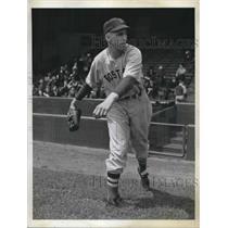 1941 Press Photo Earl Johnson of the Boston red Sox - nes01512