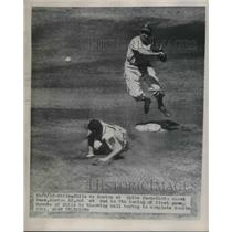 1948 Press Photo Alvin Dark of Boston Braves Out, Granny Hamner of Philadelphia