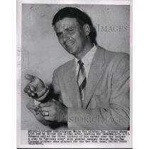 1954 Press Photo White Sox Pitcher Don Johnson Demonstrates His Slider