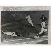 1959 Press Photo Vic Wertz Red Sox Misses Tag On Preston Ward Athletics MLB Game
