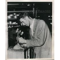 1949 Press Photo Welding inspector Russ Christopher, former Indian pitcher