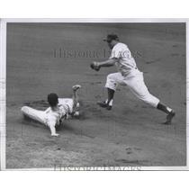 1952 Press Photo Randy Davis Pirates Safe At 2nd Bill Serena Cubs MLB Baseball