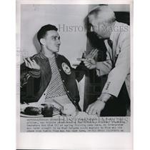 1952 Press Photo Ramon Salgado of Puerto Rico with Pittsburgh Pirates Bob Rice