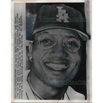 1963 Press Photo Leon Wagner, Los Angeles Angels Outfielder with New Glasses