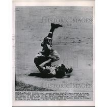 1953 Press Photo Jack Dittmer of Braves Makes Circus Dive Against Giants