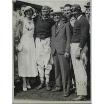 1933 Press Photo Lou Meyer with Father & Wife win the Indianapolis Auto Race.