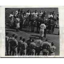 1941 Press Photo Brooklyn Dodgers Manager Leo Durocher presents Chairman James