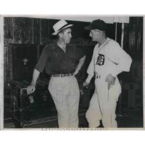 1938 Press Photo Del Baker, new manager of Detroit Tigers, with Mickey Cochrane