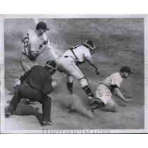 1951 Press Photo Hal Jeffcoat of the Cubs, catcher Wes Westrum, Pitcher Larry