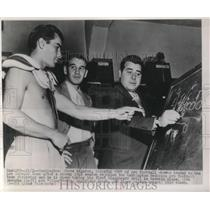 1948 Press Photo Steve Bagarus of Wash.Redskins taking his Backboard Drill.