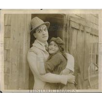 "1923 Press Photo Ralph Kellard and Dorothy Green in ""Her Mother's Secret""."