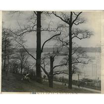 1925 Press Photo The Dreadnaught New York Anchored on Hudson River - nez02583
