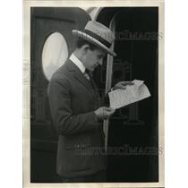"""1923 Press Photo Mayor Paul Turner Returns From Abroad With """"Lily Of Life"""" Copy"""