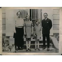 1922 Press Photo Popular European Jockey Frank O'Neil with His Family in France