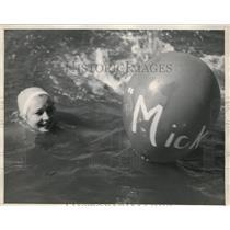 1936 Press Photo Water Spots Carnival in Long Beach, Calif. Maxine Conrad
