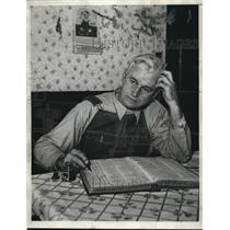 1933 Press Photo Anton Green of Iowa Geological Survey