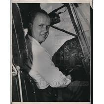 1947 Press Photo Clifford V. Evans, Jr, to fly around the world - nec07314