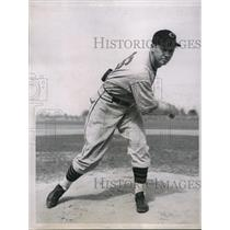 1936 Press Photo Kenneth A Weafer, Pitcher, Chicago Cubs Training Dothan Alabama