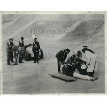 1934 Press Photo British Race Car Driver John Holdsworth Injured In Crash