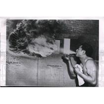 1955 Press Photo Fire Breather Prince Ulualo Tavui of Samoa Working for Print
