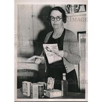 1939 Press Photo Londoner Ethel Maud Newman helps prevent war profiteering