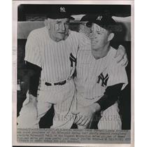 1952 Press Photo Casey Stengel, Gil McDougald, New York Yankees - nes09577