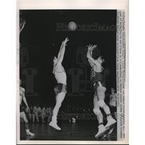 1951 Press Photo Roland Minson, Brigham Young, Joe O'Hare, Seton Hall, New York