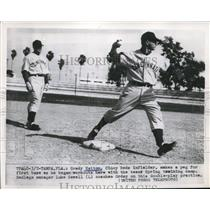 1952 Press Photo Grady Hatton, Luke Sewell, Cincinnati Reds Train, Tampa Florida
