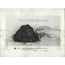 1933 Press Photo Dirt from average home per year