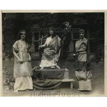 "1928 Press Photo Bryn Mawr Girls Rehearse ""The Lady of The Moone"" for May Day"